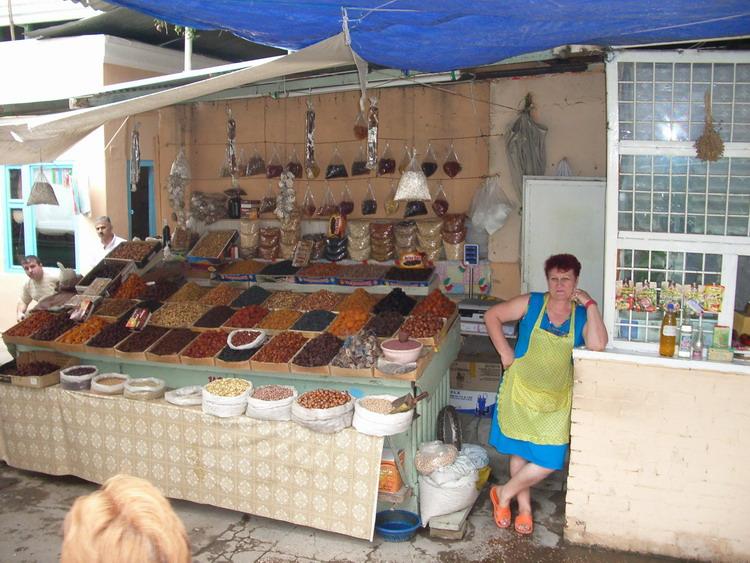 http://www.ourbaku.com/images/a/a1/Market_3.jpg