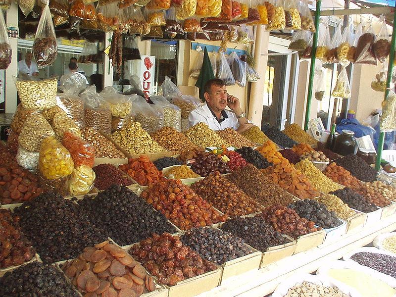 http://www.ourbaku.com/images/thumb/b/b4/Teze_Bazar_1.JPG/800px-Teze_Bazar_1.JPG